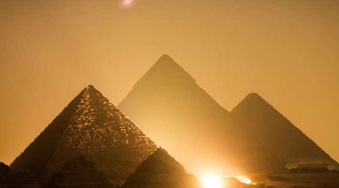 An Ancient Papyrus Reveals How The Great Pyramid of Giza Was Built