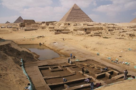 3,300-Year-Old Tomb with Pyramid Entrance Discovered in Egypt