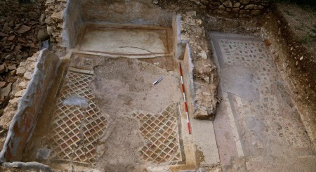 'Remarkable' Roman villa found buried under a field in North Wales