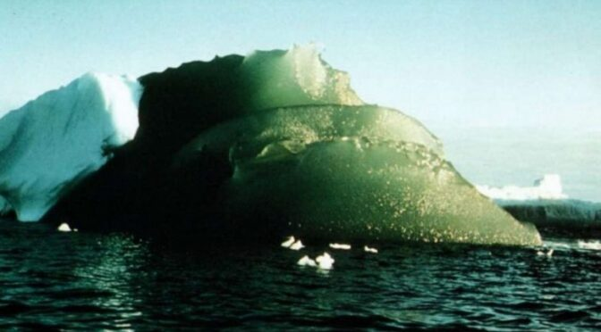 "The Mystery Behind the ""Rare Emerald Icebergs"" of Antarctica"