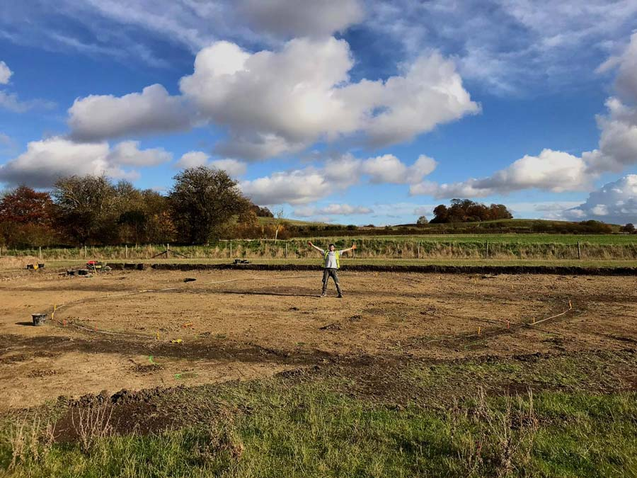 Archaeologists find unexpected iron age settlement in Oxfordshire