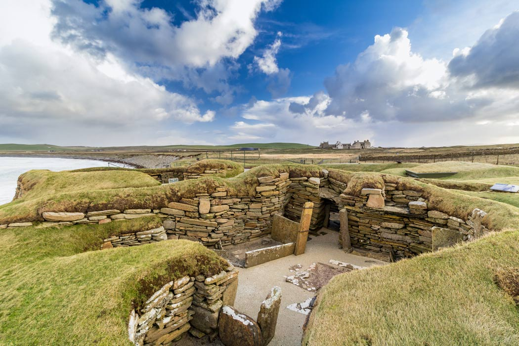 Well-Preserved Burial Cist Discovered on Scottish Island