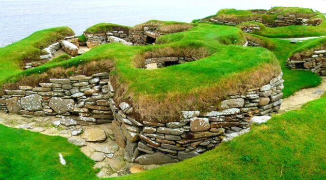 Erosion Reveals Possible Neolithic Village Site in Scotland
