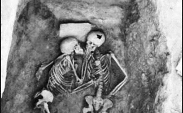 The Hasanlu Lovers and their 2800 years-old kiss