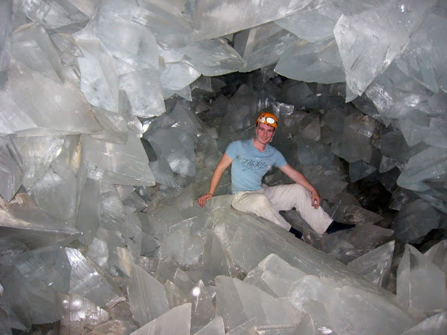 The Mystery of the Giant Crystals: How the 36-foot Geode of Pulpí Formed