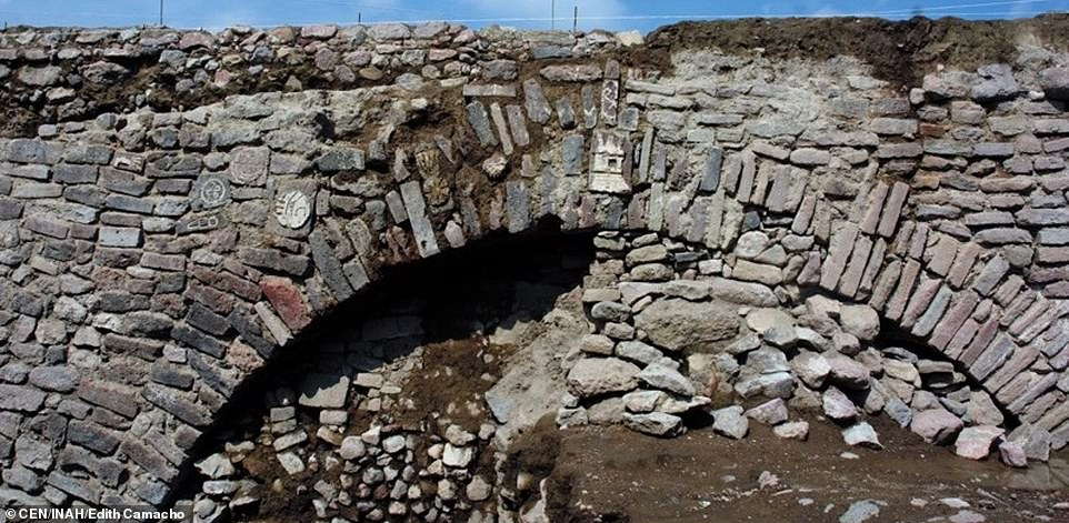 Archaeologists discover a secret Aztec tunnel built 600 years ago by emperor Moctezuma