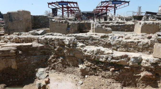 Turkish archaeologists find 2,400-year-old monument at Haydarpaşa