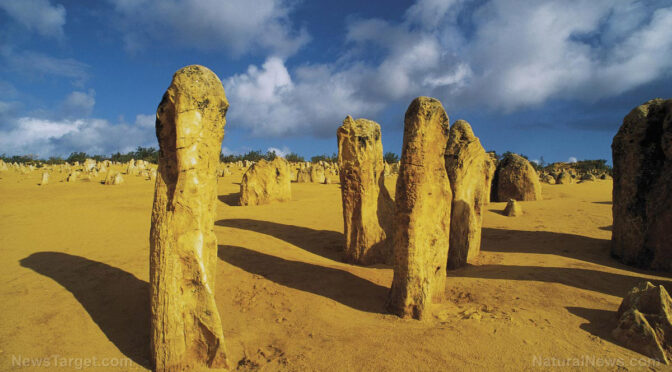 Arabian cult may have built 1000 monuments older than Stonehenge