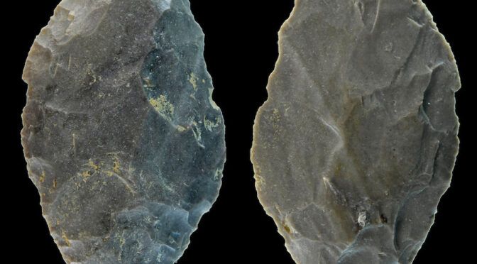 Artefact Found in Germany Hints at Neanderthal Hunting Practices