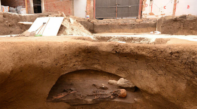 Graves dating back 2,700 years have been unearthed in southern Mexico City