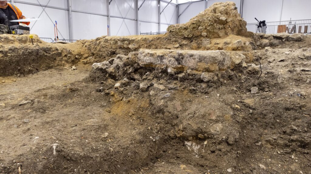 'Anglo-Saxon church' in Stoke Mandeville discovered by HS2 archaeologists