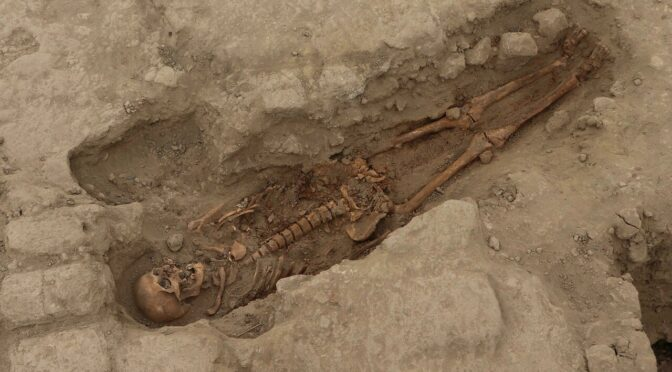 The Discovery of ancient Peruvian burial tombs sheds new light on Wari culture