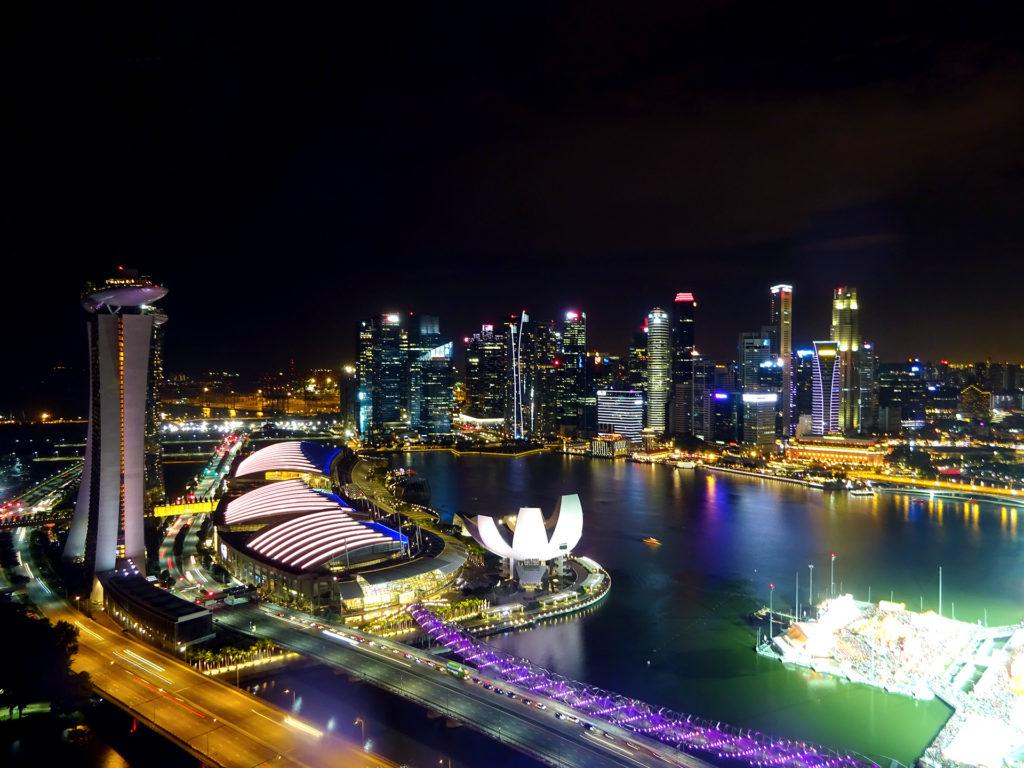 6 - singapore skyline
