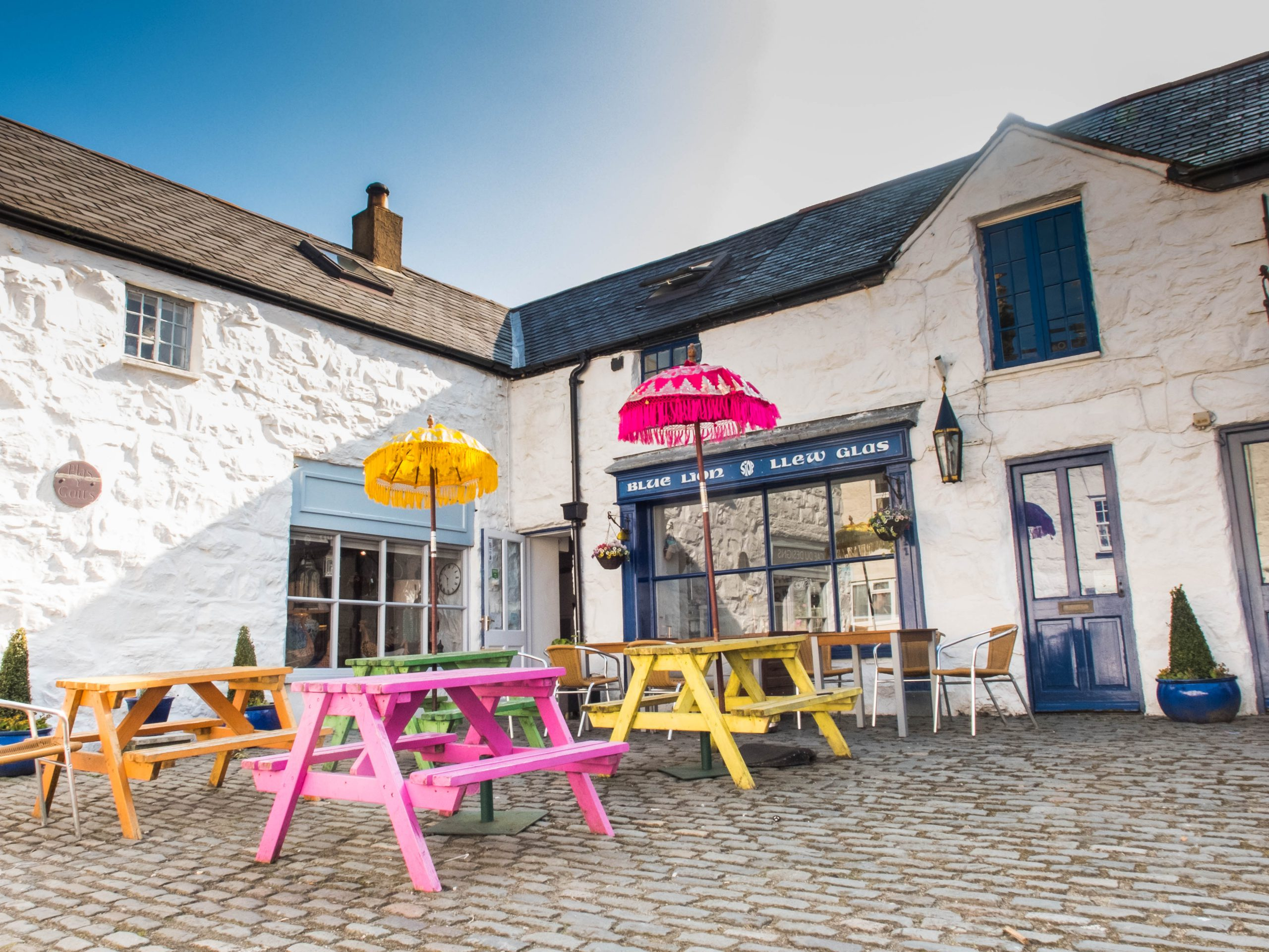 Outside the Llew Glas Cafe on Harlech High Street