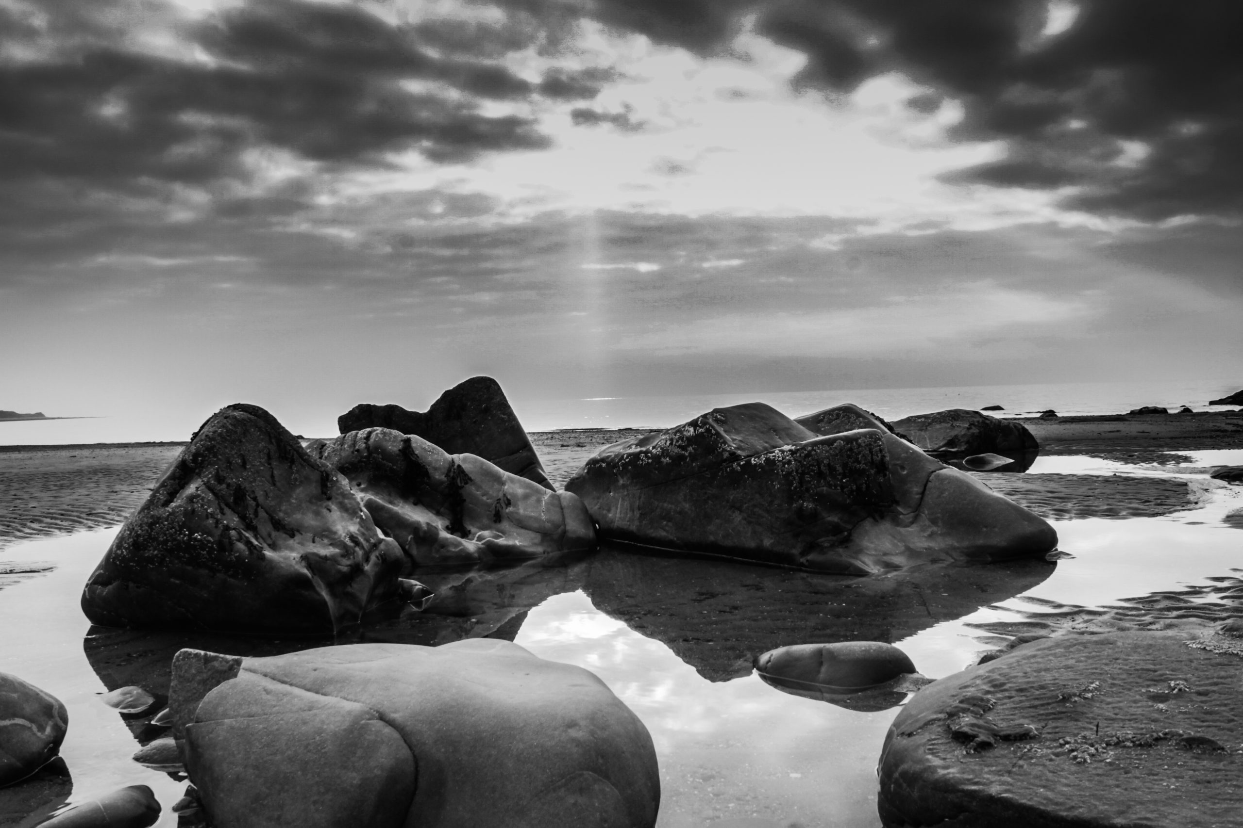 Harlech beach in black and white