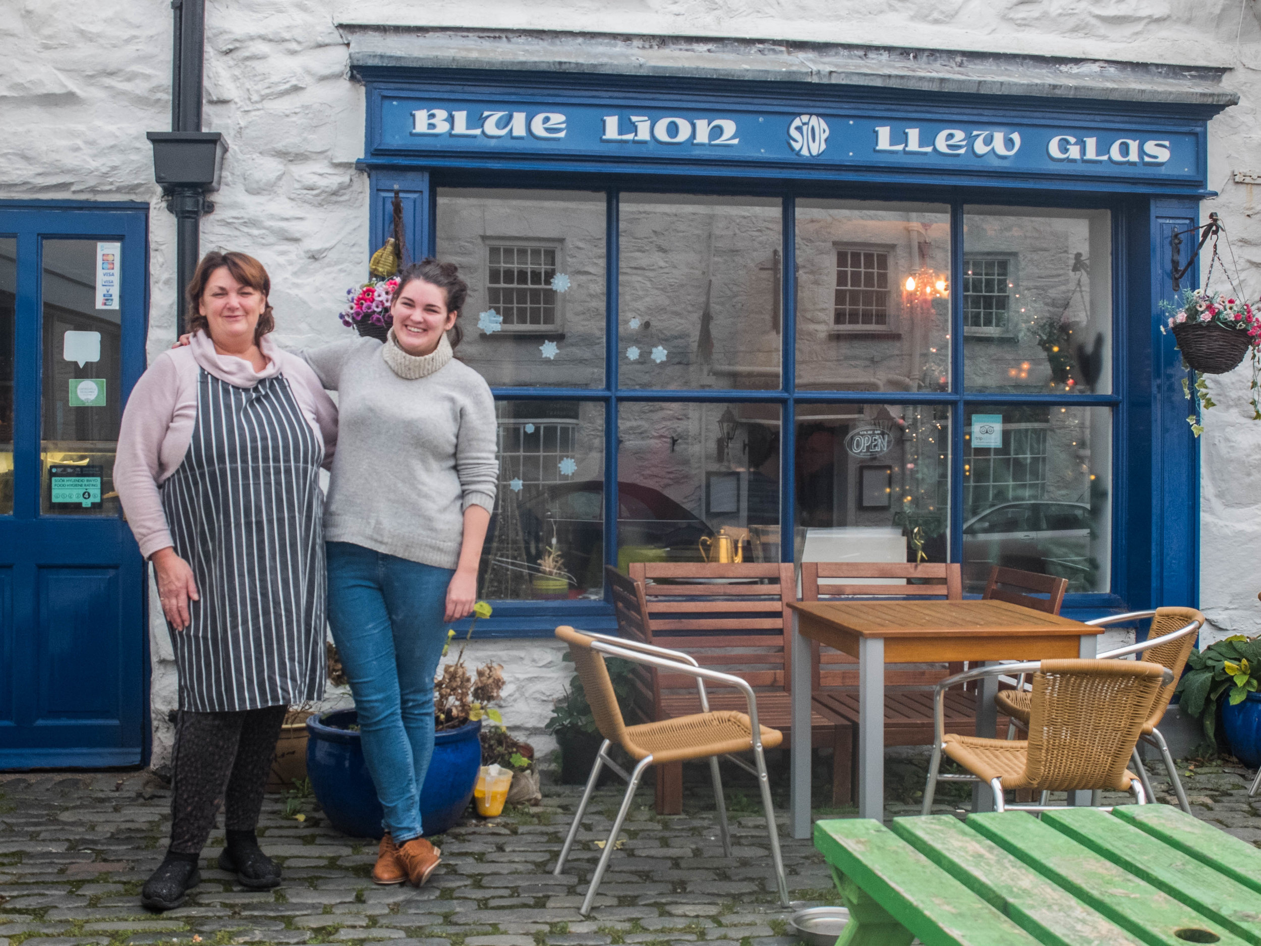 Outside the Llew Glas cafe in Harlech