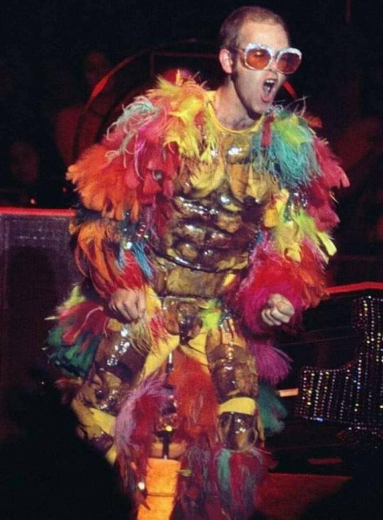 Elton John: oltre l'eccentricità 1