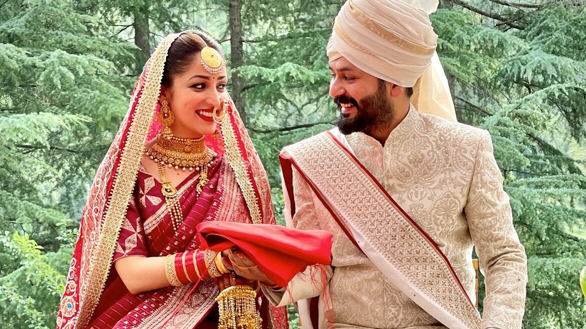 Simplicity at its Best! Yami Gautam embraced her pahadi culture throughout her intimate wedding functions and won our hearts with her gorgeous smile and sheer beauty
