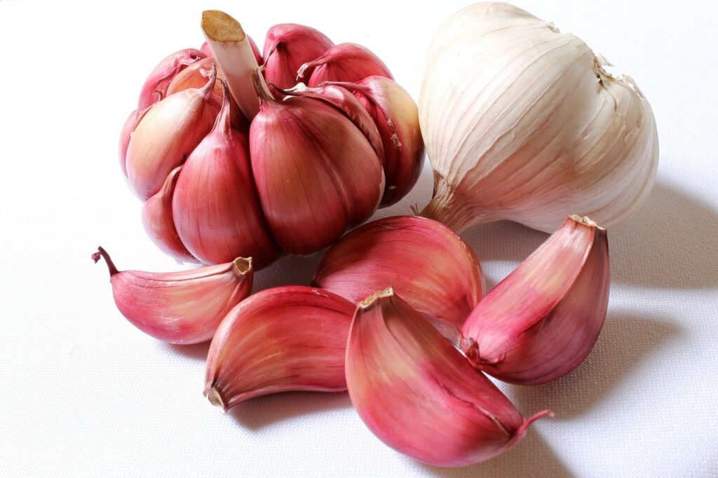 The image is of garlic.  (Foods that boost immunity.)