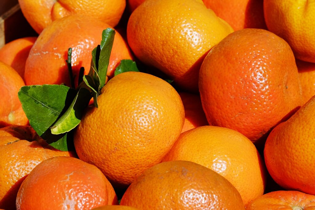 The image represents vitamin C rich fruit. (Foods that boost immunity.)