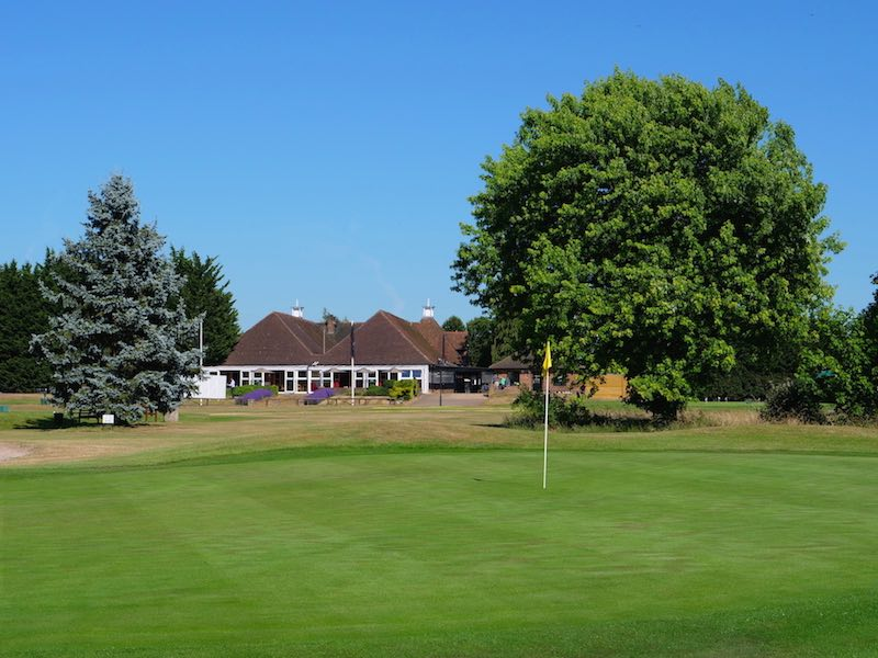 18 Hole Golf Course In Watford, North West London