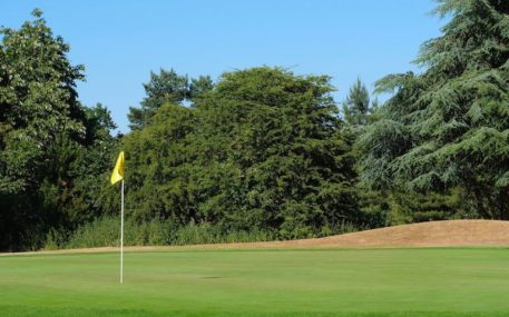 Golf Membership 18 Holes In Watford Hertfordshire