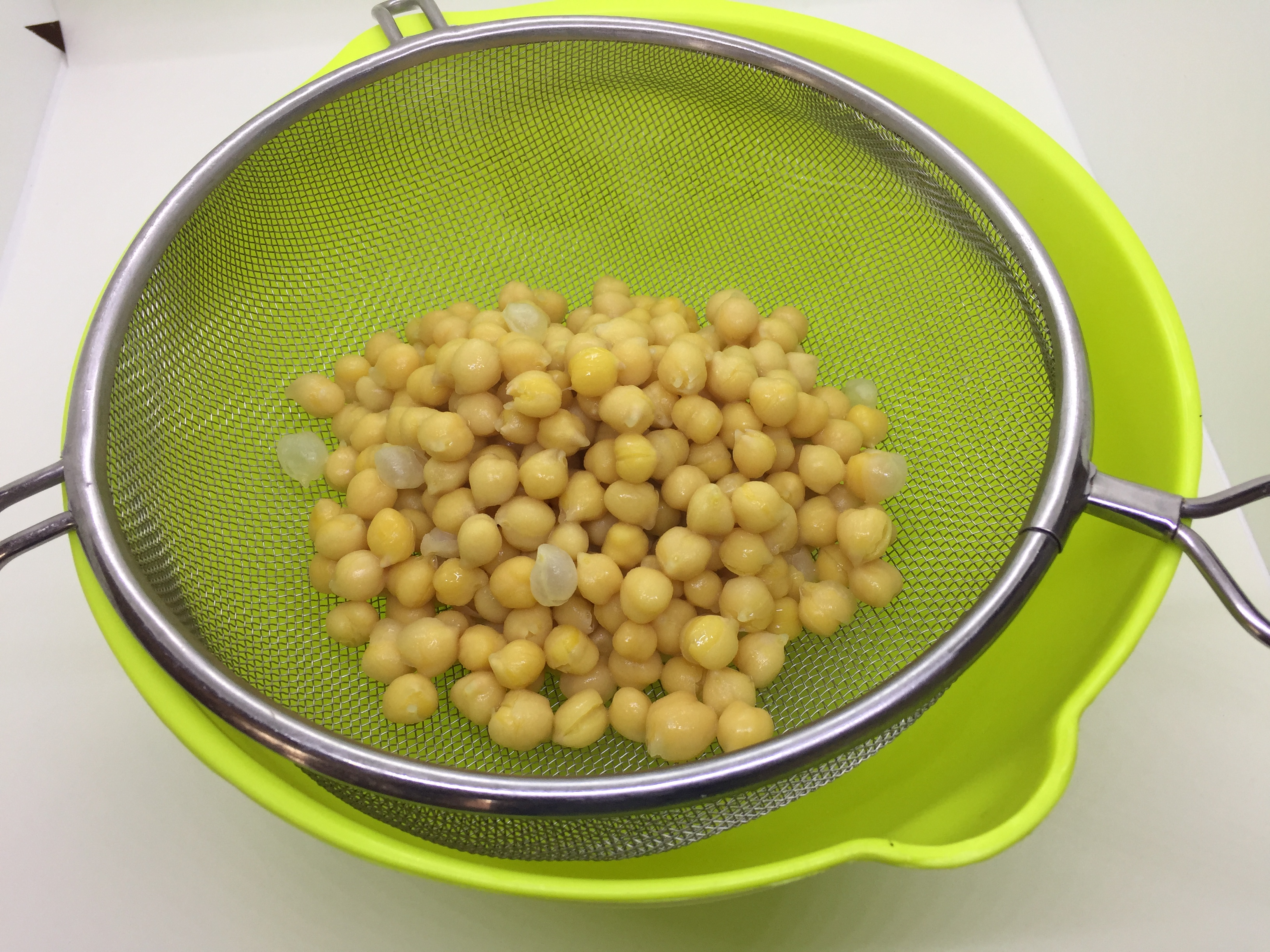 Drain the cooked chickpeas