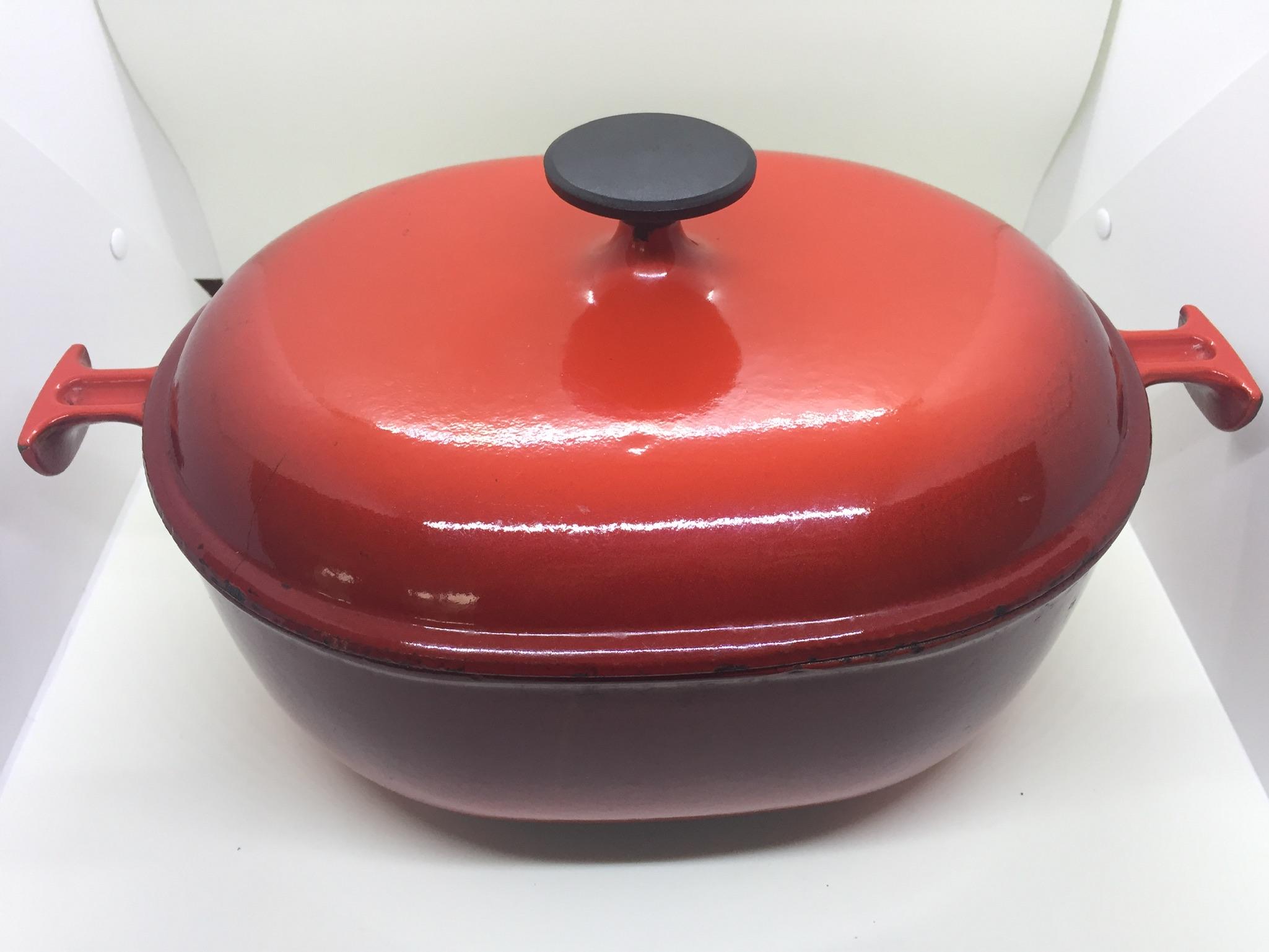 Heat a cast iron casserole dish