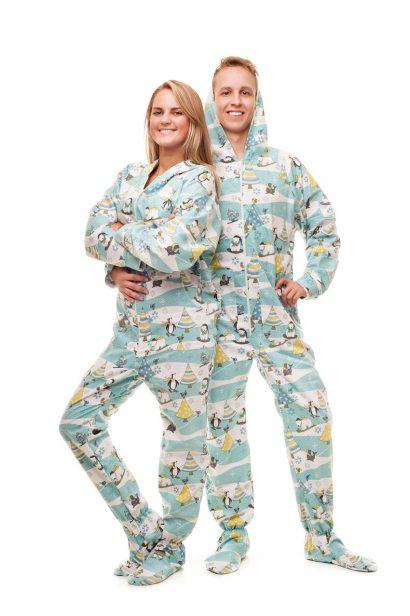 Kajamaz Kalėdų rytas: flanelinė pižama-kombinezonas suaugusiems