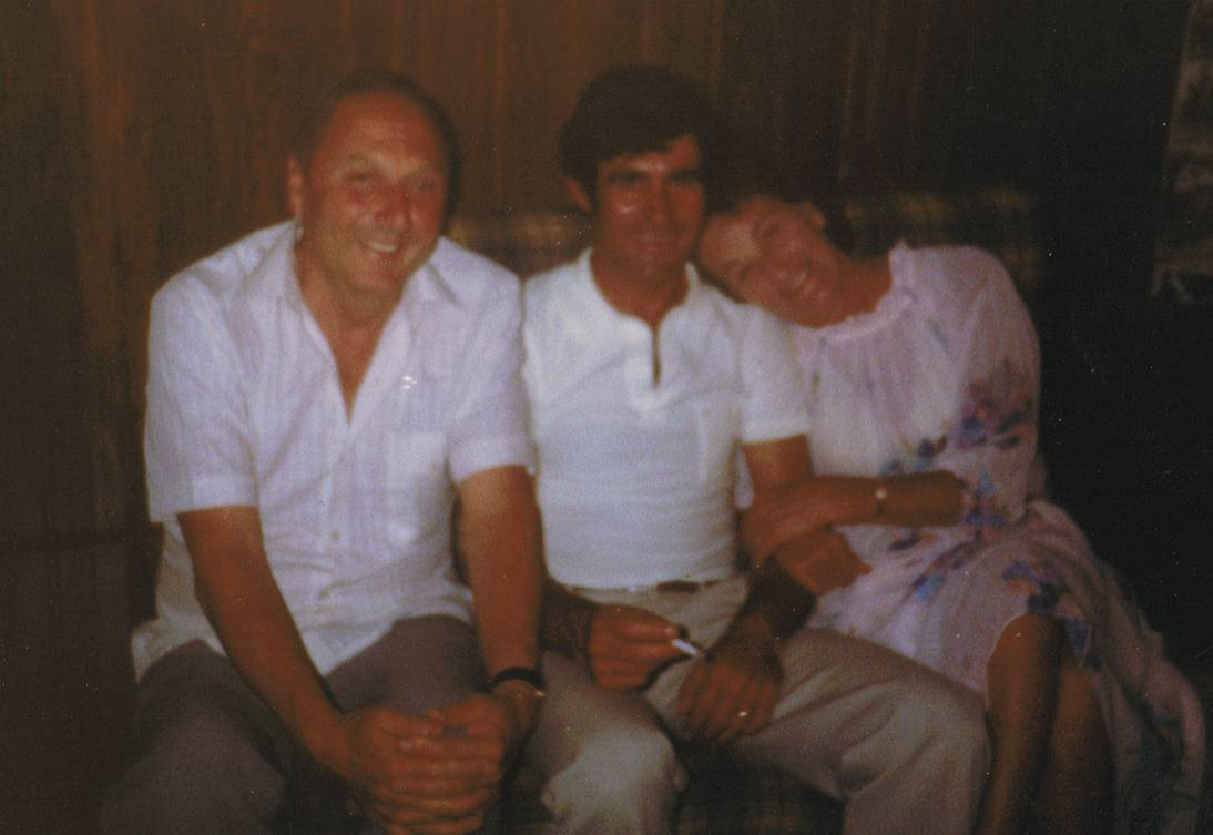 Photo of Fred & Joan Spence with Laurindo Aguas