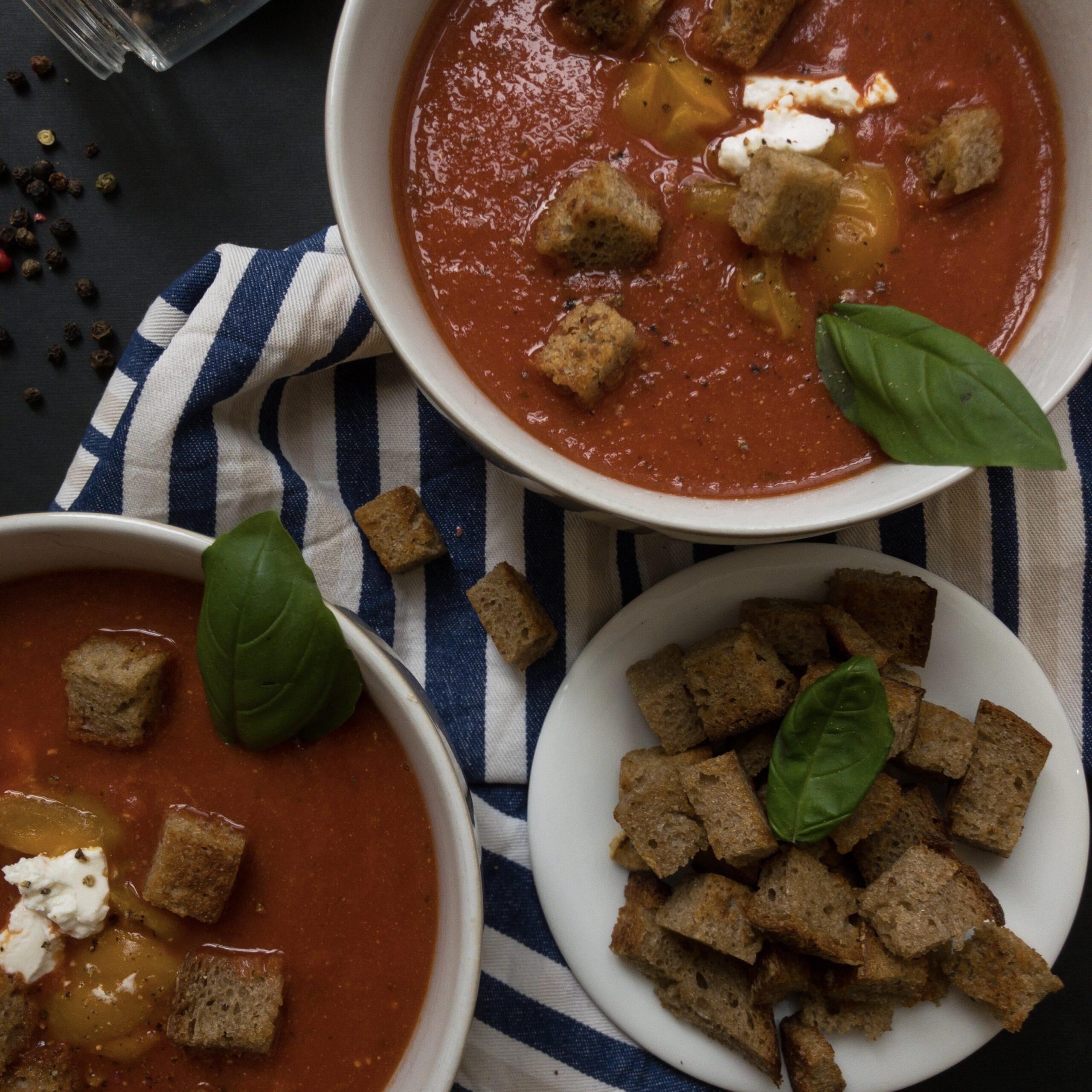 Tomatensuppe mit Ziegenkäse square