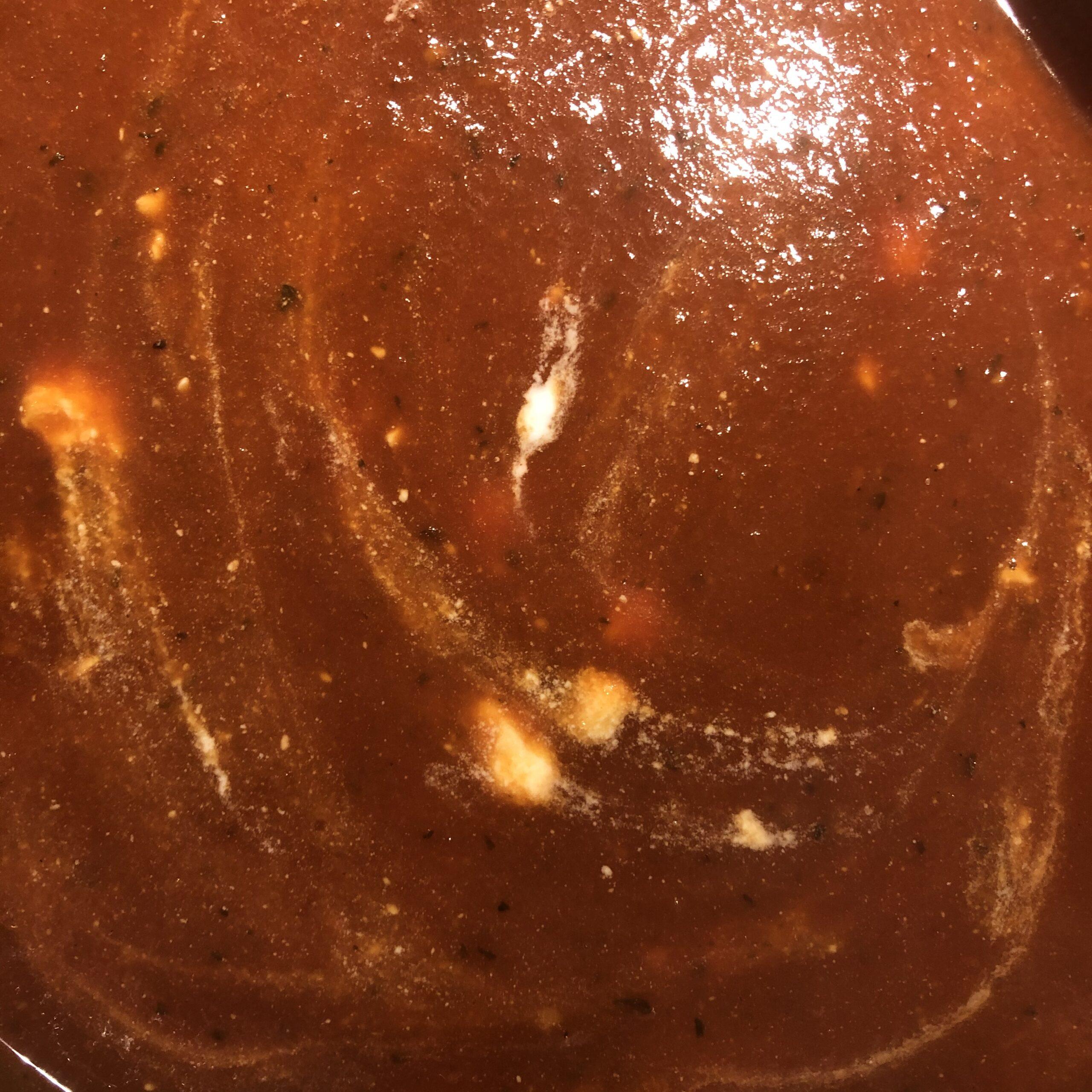 Suppe mit Ziegenkäse