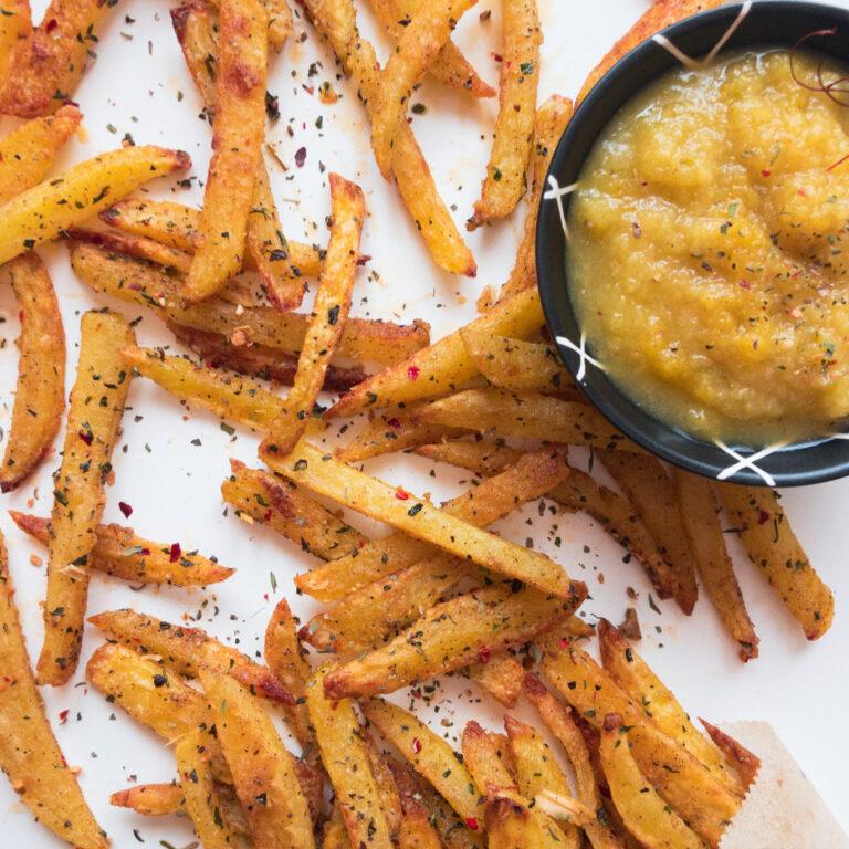 Wie macht man: Hausgemachte Pommes mit Ananas-Jalapeño Dip