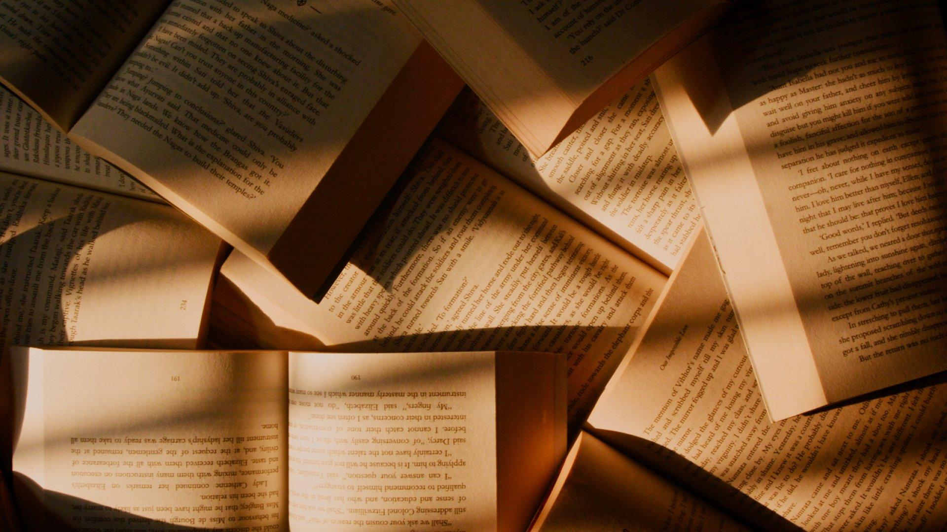 İngilis dilimizi kitab oxuyaraq inkişaf etdirək