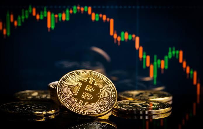 Bitcoin Drops Below $11,000, Altcoins Follows the Dump Trend
