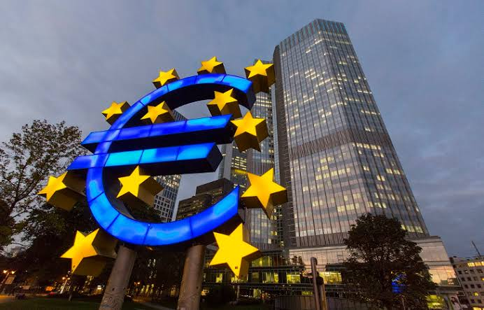 The ECB: Necessary Scenarios of the Digital Euro