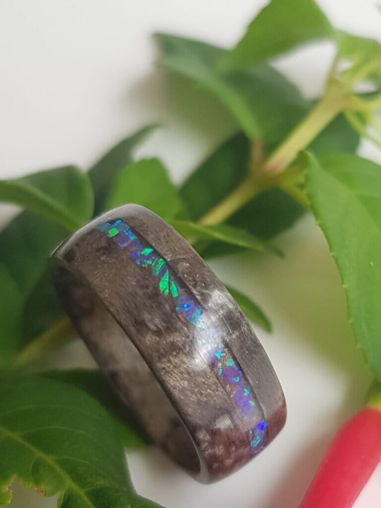 Silvered Pippy Maple ring inset with crushed cobalt opal