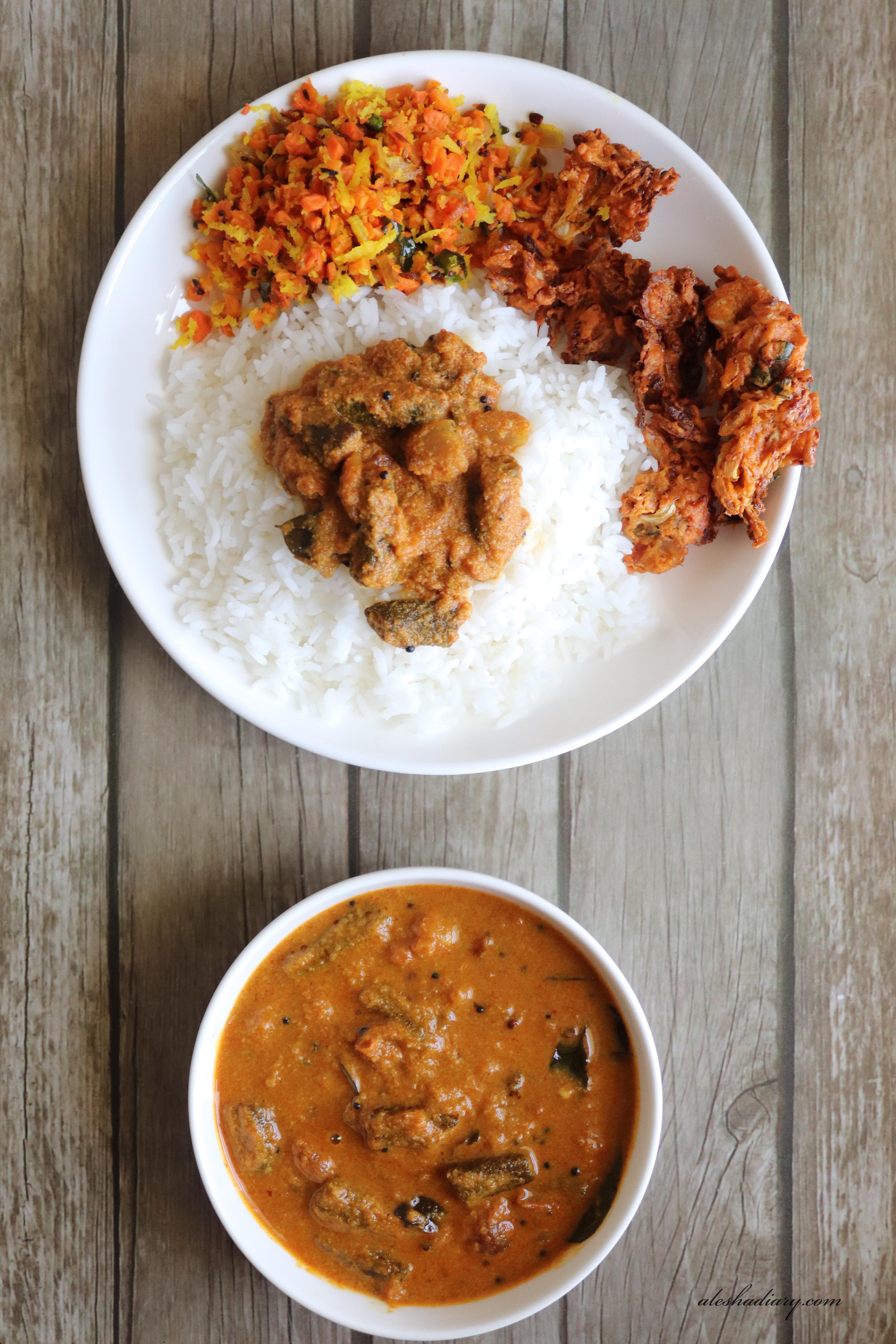 Vendakkai Puli Kuzhambu – Lady's finger curry – வெண்டைக்காய் புளி குழம்பு