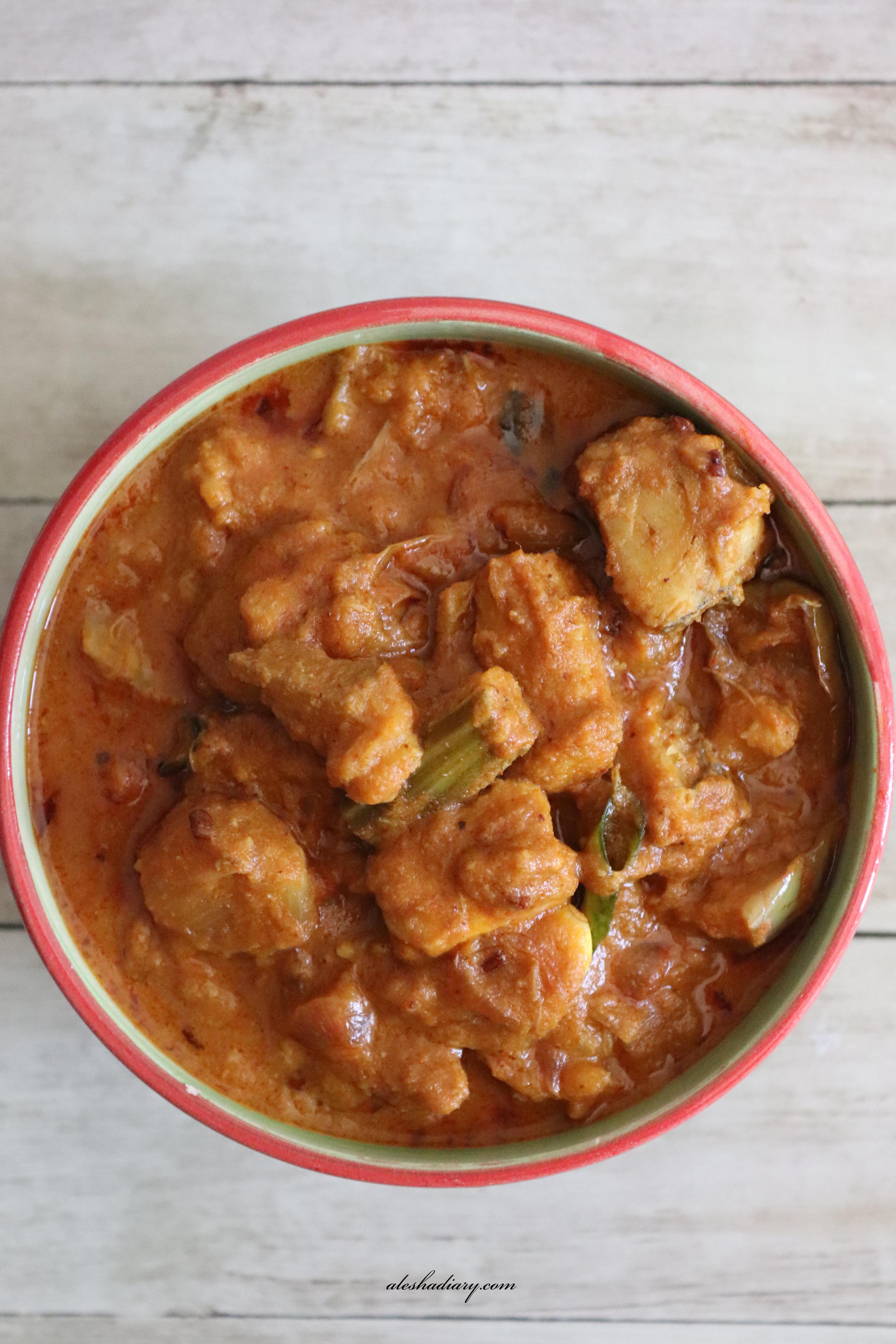 Dry fish with veggies curry – Sheela Karuvattu kuzhambu – Kai potta Karuvadu kulambu