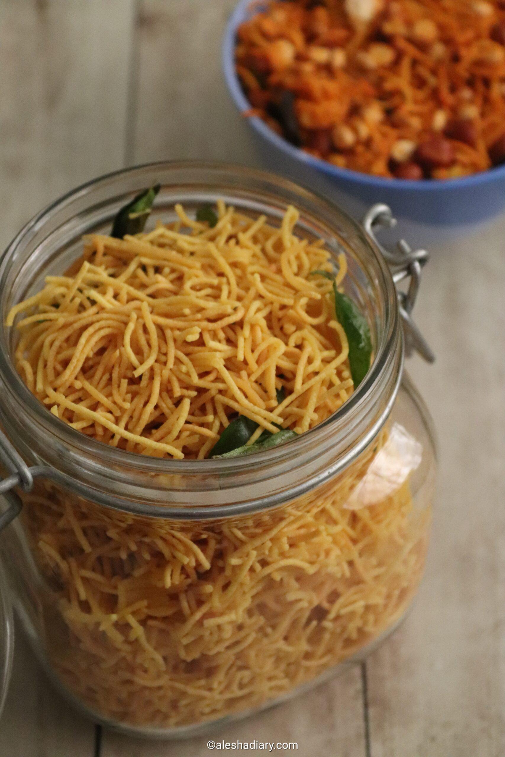 Sev Recipe – Besan Sev for Chaat – Crispy Sev Namkeen