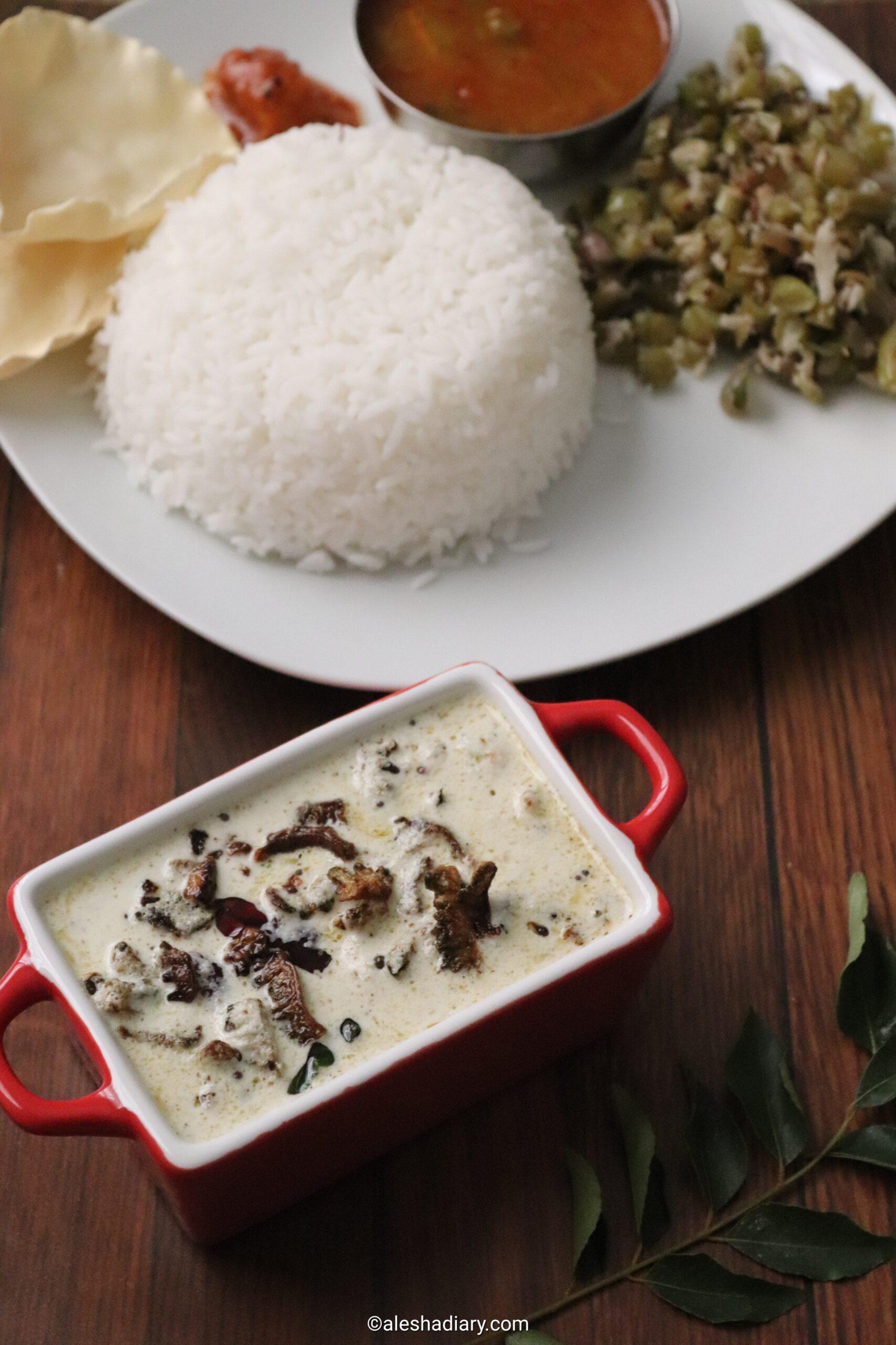 Pavakkai Kichadi – Pavakka Kichadi Kerala recipe – Bittergourd in Coconut yoghurt sauce