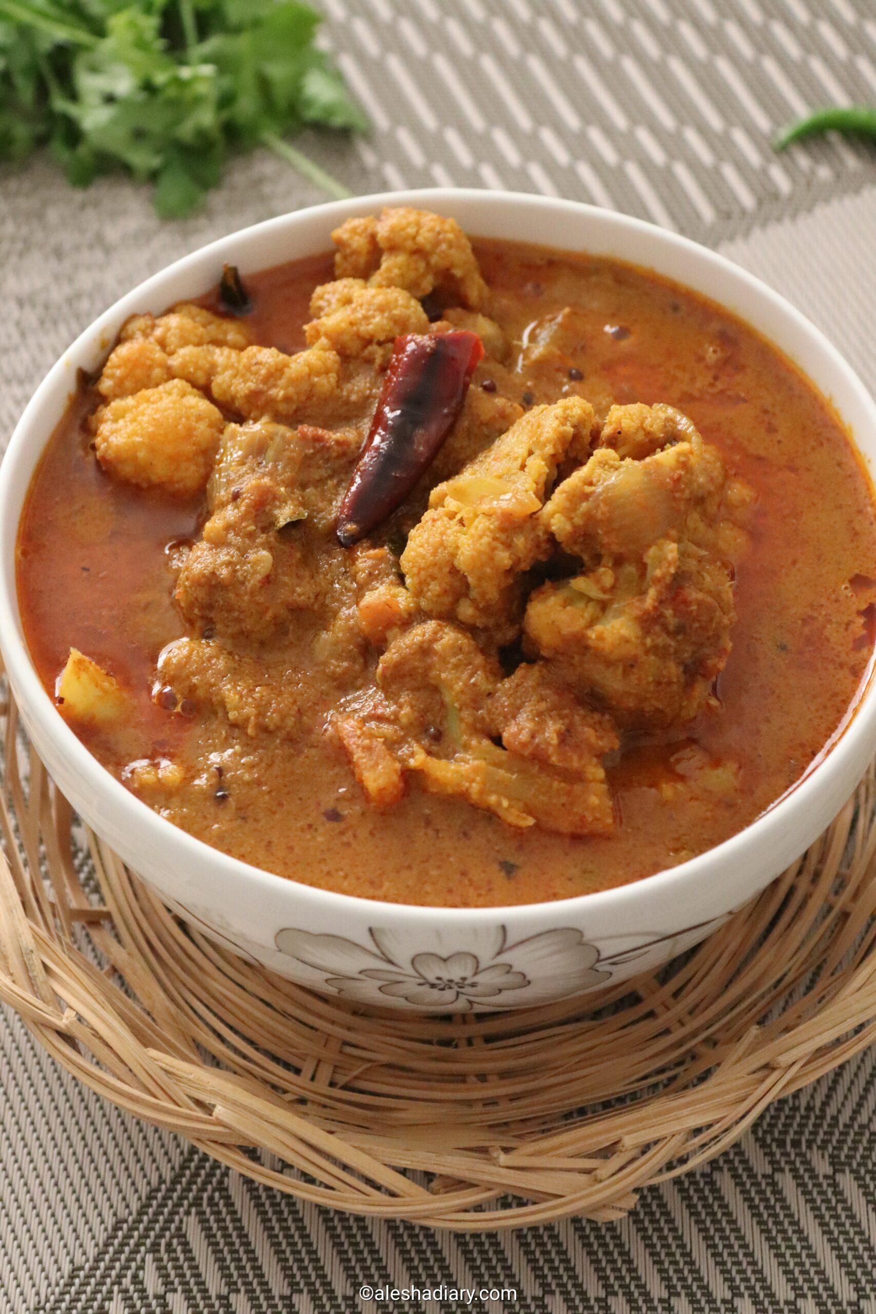 Cauliflower curry – cauliflower kuzhambu – Chettinad style cauliflower curry