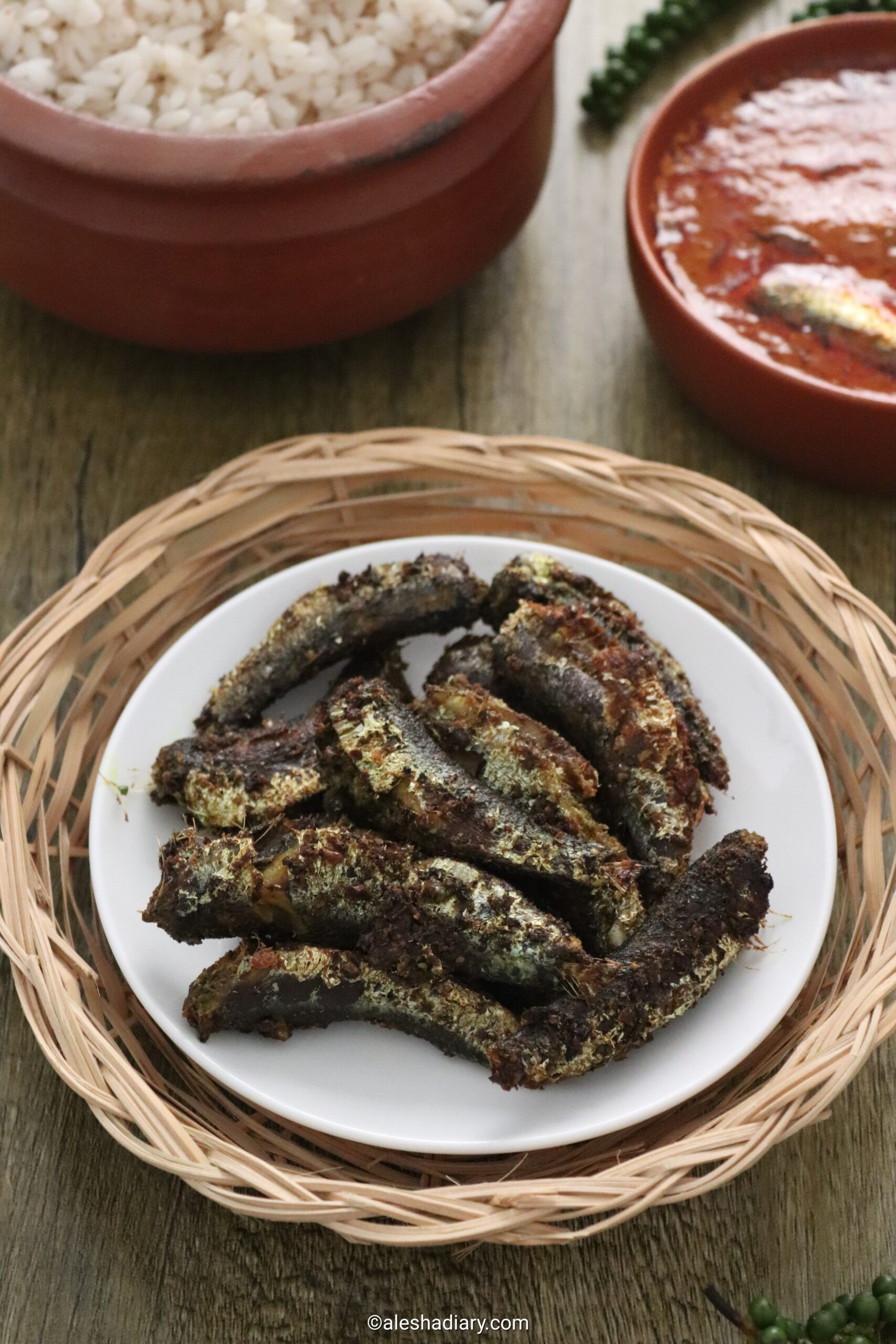 Mathi pacha kurumulaku fry – Green peppercorns sardine fish fry – Chaala pacha kurumulaku fry
