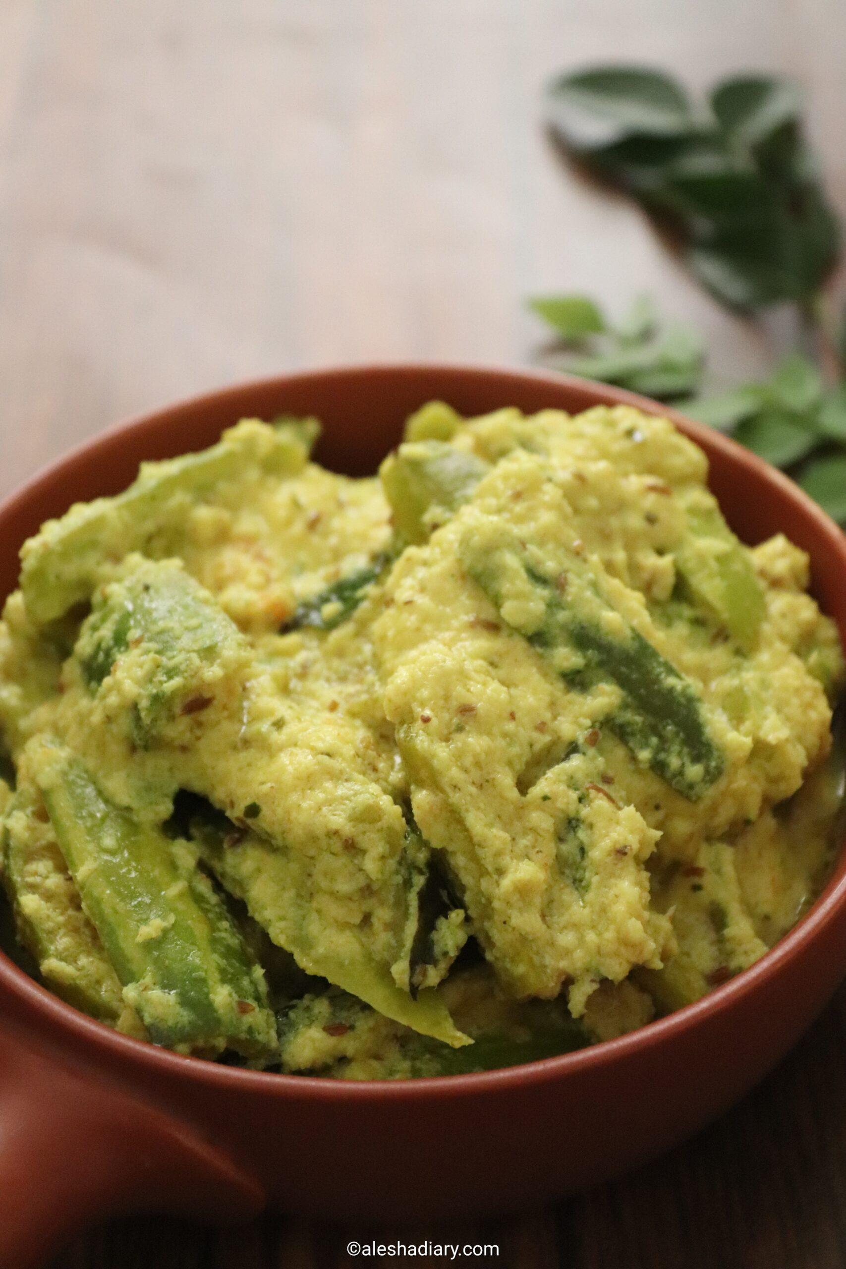Kovakkai aviyal – Tindora coconut yoghurt curry