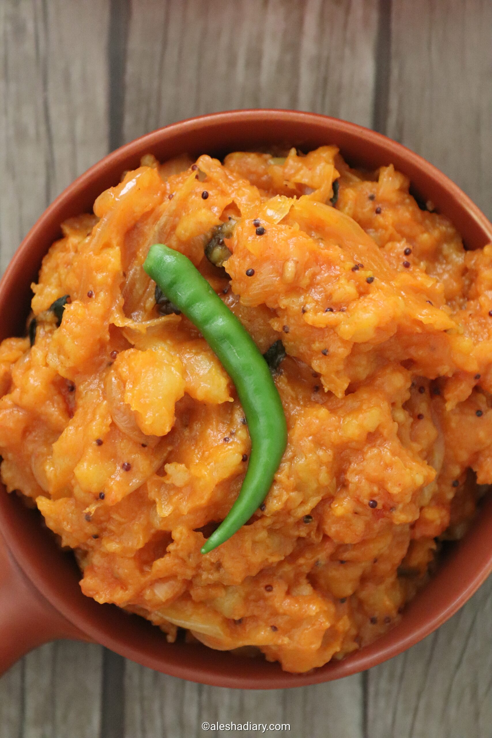 Potato Masiyal – Spicy Mashed Potato curry -Urulai Kizhangu Masiyal