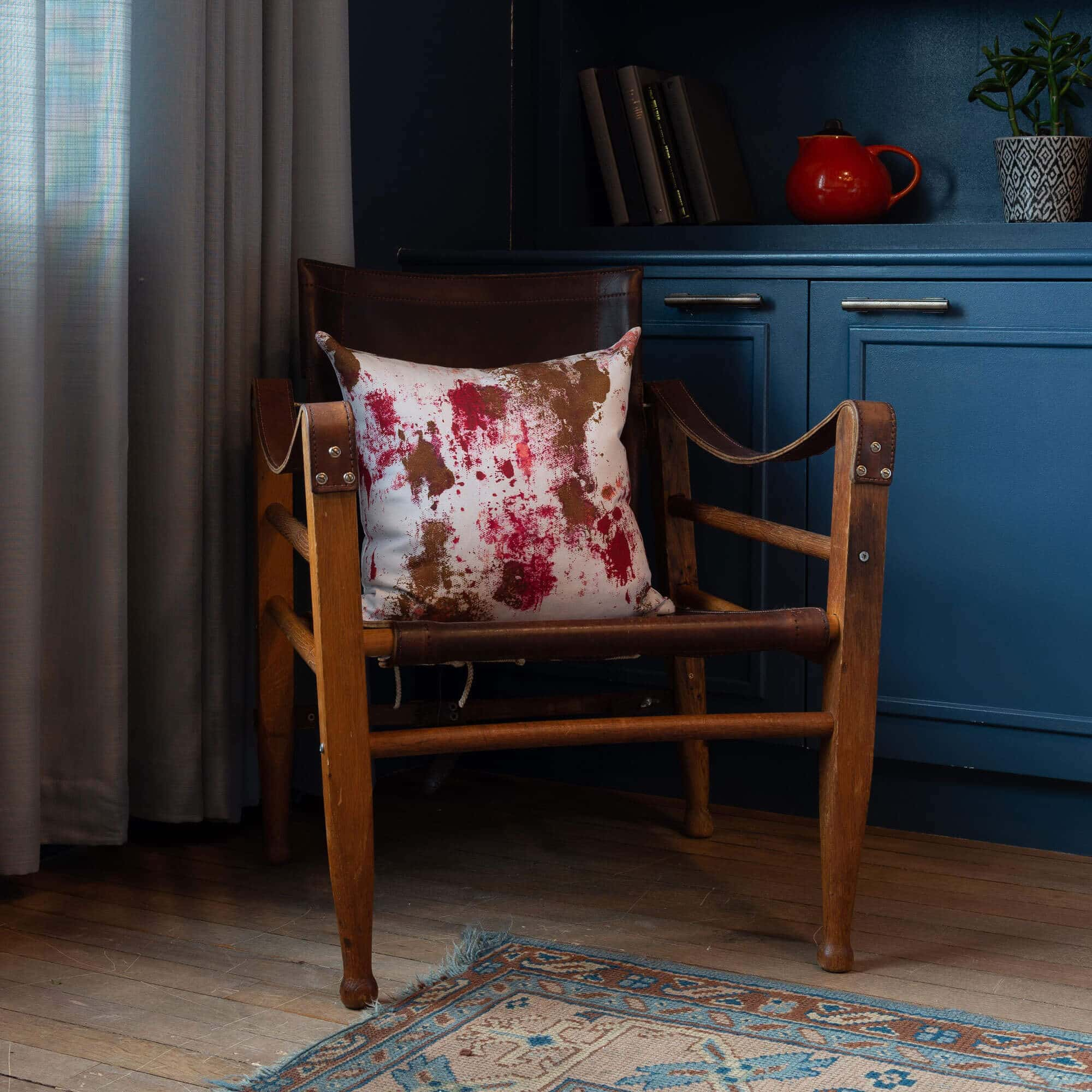 Red & White Cushion in Silk & Cotton - Cadment - FifteenFifteen