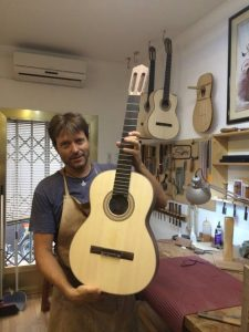 Stephen Hill Guitarmaker