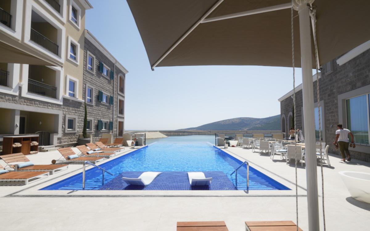 hotel_chedi_lustica_montenegro_Outdoorpool3