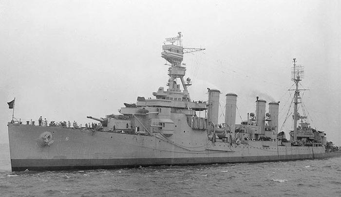 An Omaha class cruiser, the USS Milwaukee (CL-5)