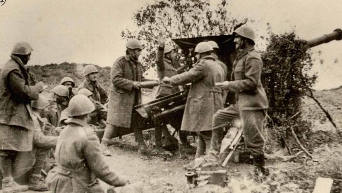 Greek artillery shelling in the Morava height, November 1940